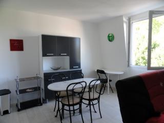 Cozy Bayonne Studio rental with Television - Bayonne vacation rentals