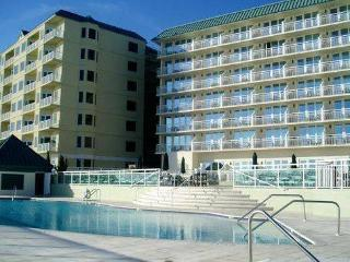 2/2 Condo Fully Equip Kit, FACING & On BEACH - Ormond Beach vacation rentals