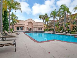 Spacious & Stylish La Jolla Condo in Private Community with Pool and Spa - San Diego vacation rentals