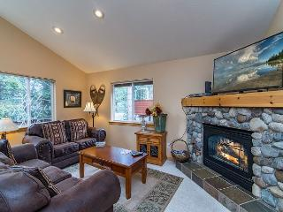 Light-Filled & Charming North Lake Tahoe Home – Minutes From Kings Beach - Kings Beach vacation rentals