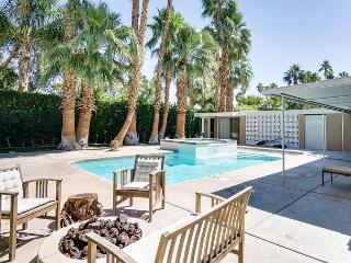 Fab Palm Springs Home in Historic Twin Palms - Palm Springs vacation rentals