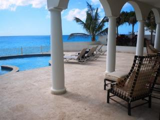 Bahari - Ideal for Couples and Families, Beautiful Pool and Beach - Simpson Bay vacation rentals