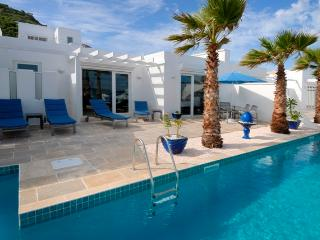 Corinne - Ideal for Couples and Families, Beautiful Pool and Beach - Dawn Beach vacation rentals