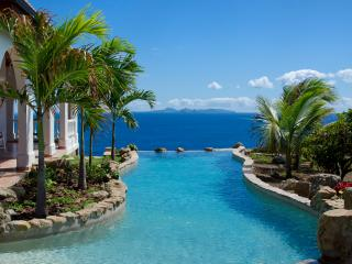 Ideal for Couples & Groups, Unique Swimming Pool, Ocean Views, Short walk to small beach - Dawn Beach vacation rentals