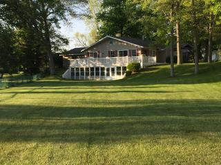Beautiful House with A/C and Parking - Three Rivers vacation rentals