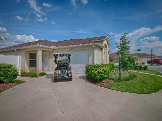Corner courtyard villa with fantastic outdoor area.Free use of golf cart - The Villages vacation rentals