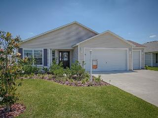 Beautiful home in Village of Sanibel free use of golf cart - The Villages vacation rentals