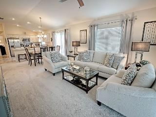 Brand new stunningly decorated courtyard villa in Pine Ridge. - The Villages vacation rentals