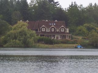 5 bedroom House with Internet Access in Bainbridge Island - Bainbridge Island vacation rentals