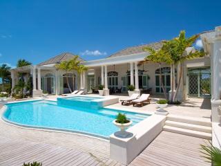 Charming 5 bedroom Villa in Five Cays Settlement - Five Cays Settlement vacation rentals