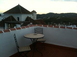 Beautiful House with Satellite Or Cable TV and Swing Set in Frigiliana - Frigiliana vacation rentals