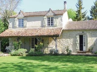 Spacious 4 bedroom House in Loubes-Bernac - Loubes-Bernac vacation rentals