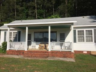Lakefront Getaway with Fabulous Mountain Views - Hayesville vacation rentals