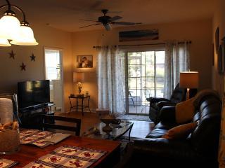 Adorable 1st Floor, End Unit Villa - North Myrtle Beach vacation rentals