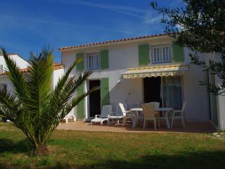 Maison à ARS-en-ré près de la thalassothérapie - Ars-en-Re vacation rentals