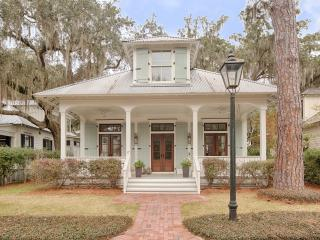 Palmetto Bluff Luxury Home in the Village - Bluffton vacation rentals