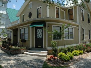 Maison En Ville - Suite 2 (Jasmine) - Mount Dora vacation rentals