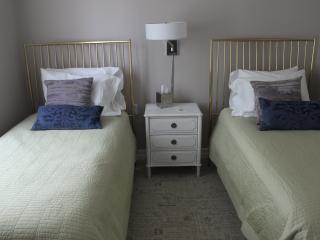 Modern 2 Bedroom Suite – Sleeps 6 - Minneapolis vacation rentals
