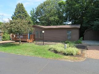 Bring 10 People and Enjoy a 3 BR 2 BA Island Club Home at Put-in-Bay Ohio - Put in Bay vacation rentals