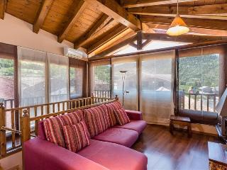 Cozy 1 bedroom Condo in Pobleta de Bellvehi with Internet Access - Pobleta de Bellvehi vacation rentals
