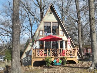 Charming House with Dishwasher and Kettle - Springville vacation rentals