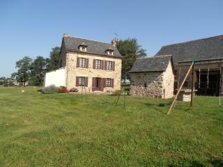 2 bedroom Gite with Internet Access in Lanuejouls - Lanuejouls vacation rentals