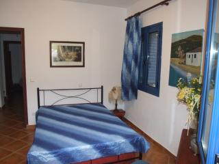 Nice 3 bedroom Gythion Villa with Internet Access - Gythion vacation rentals