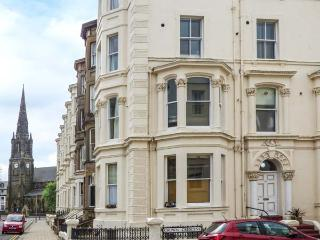 THE SPIRES, first floor apartment, WiFi, centre of Scarborough, Ref 929720 - Scarborough vacation rentals