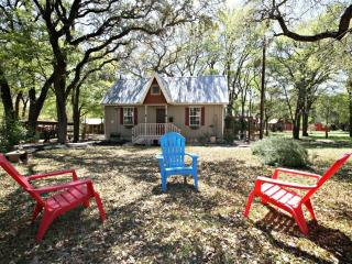 CIELO at LONESOME DOVE COTTAGES - Canyon Lake - Canyon Lake vacation rentals