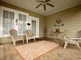 Charming House with Internet Access and Grill - New Braunfels vacation rentals