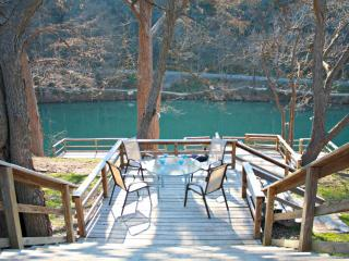 RIO VISTA ON THE GUADALUPE - New Braunfels - New Braunfels vacation rentals