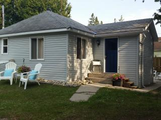 Blue Bay is a Cozy 3 Bedroom Cottage - Sauble Beach vacation rentals