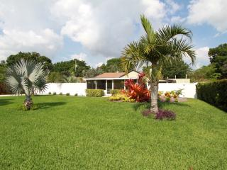 Spectacular private home & gardens. Privacy abound - Vero Beach vacation rentals