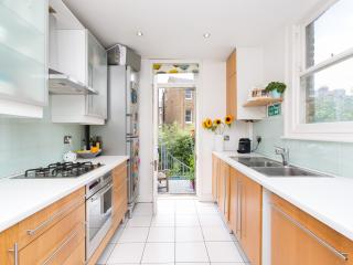 3 bed family home, Southcote Road, Tufnell Park - London vacation rentals