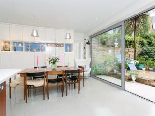 Spacious 5 bedroom House in London - London vacation rentals