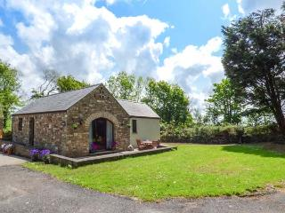 HIGHBURY, Rayburn, WiFi, countryside location, Haverfordwest, Ref 937377 - Haverfordwest vacation rentals