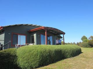 Perfect 2 bedroom Chalet in Longford - Longford vacation rentals