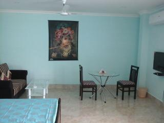 2 bedroom House with Internet Access in Guwahati - Guwahati vacation rentals