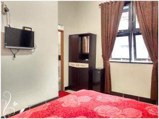 Ruby de Azure Bed n Breakfast, warm n clean room - Bantul vacation rentals
