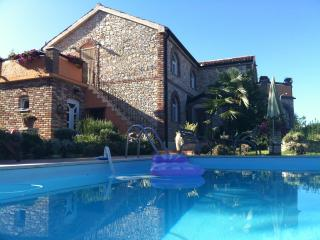 VILLA  ON THE  SEA WITH TENNIS COURT AND POOL - Funtana vacation rentals