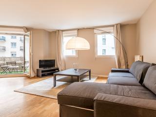 Brand New Flat Grande Arche La Défense Paris - Courbevoie vacation rentals