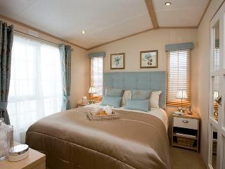 2 bedroom Caravan/mobile home with Television in Flookburgh - Flookburgh vacation rentals