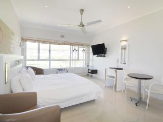 Mouille Point Studio with a park view - 808B - Cape Town vacation rentals