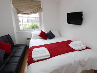 Fabulous Apt Next To Hyde Park H33 - London vacation rentals