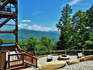 Heavenly Views, Luxurious Amenities, Sparkling Hot Tub, 10 min. to Town! - Bryson City vacation rentals