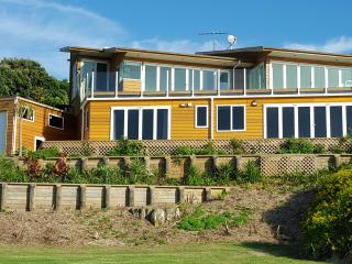 Luxury New Zealand Beach Bach - Auckland vacation rentals
