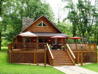Fish, Canoe, Kayak, Swim, Mountain Views, Relax - Luray vacation rentals