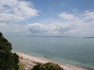 3 bedroom House with Internet Access in Auckland - Auckland vacation rentals