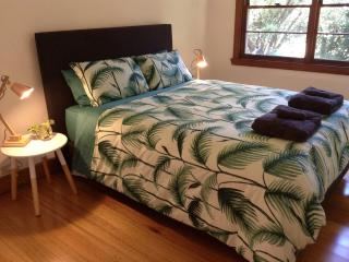 Cozy House with Dishwasher and High Chair - Warburton vacation rentals