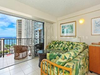 Ocean View, central AC, 5 min. walk to beach!  Sleeps 3. - Waikiki vacation rentals